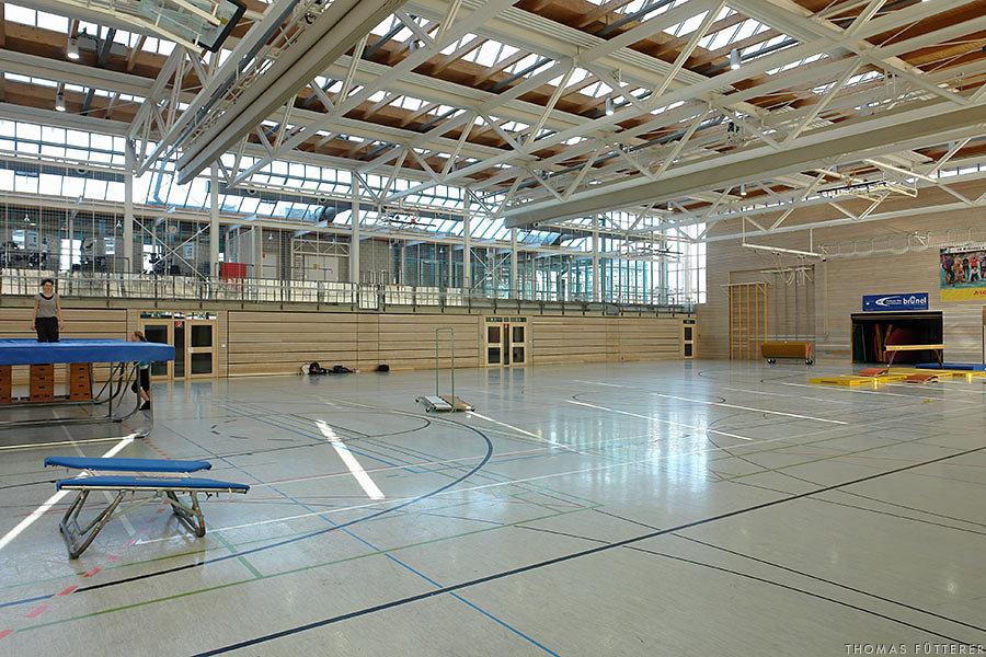 sporthalle-vaihingen-7598-web.jpg