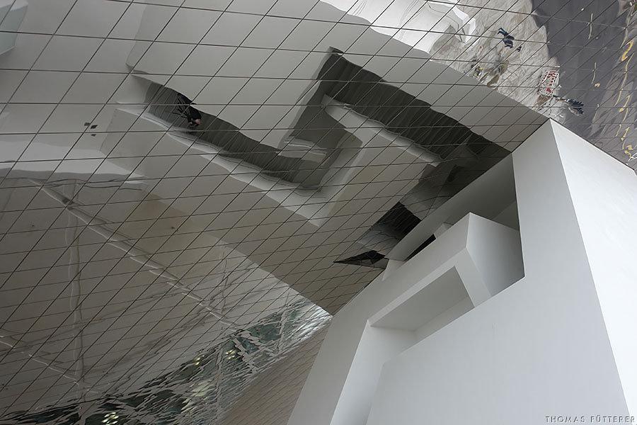 porsche-museum-07223-web.jpg