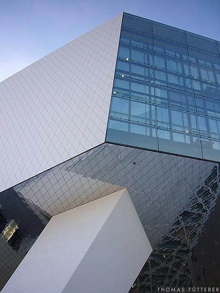 porsche-museum-10688-web.jpg