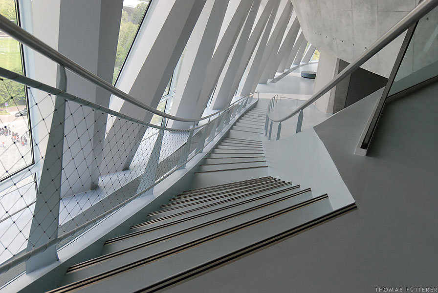 mercedes-museum-0061-web.jpg