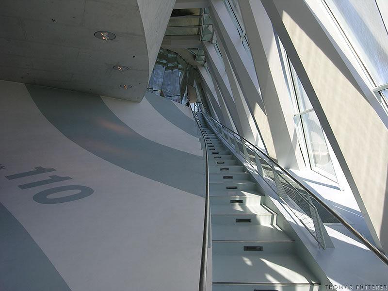 mercedes-museum-2894-web.jpg