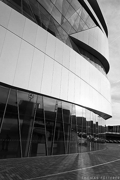 mercedes-museum-aussen-00319-web.jpg